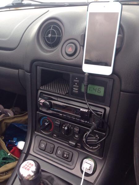 Mazda MX-5 charging