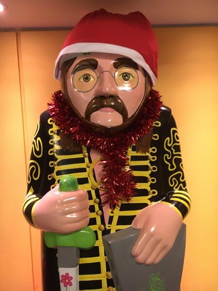 John Lennon Santa @OctagonT @TheBNLincoln @TheLincolnHotel 