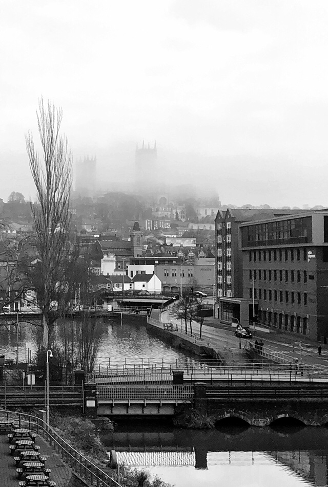 Fog clearing - Lincoln Minster